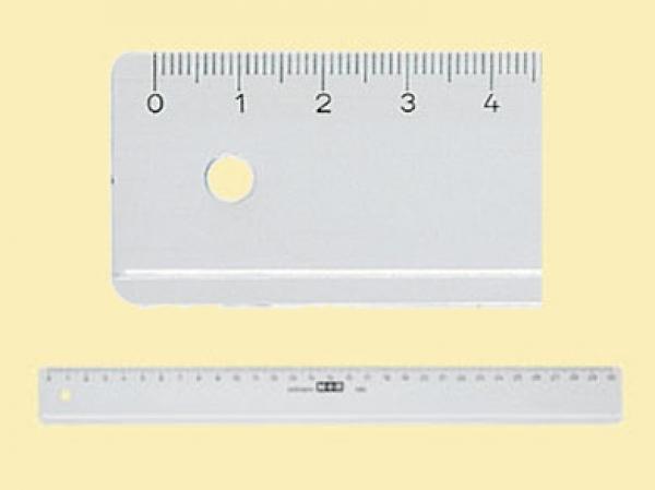 خط کش پلاستیکی M+r