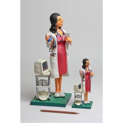 مجسمه فورچینو Madam Doctor Special Edition